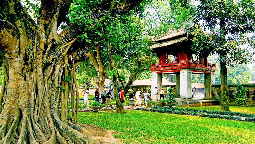 Hanoi, tourist arrivals,  Department of Tourism, year-on-year increases, local accommodation facilities, high evaluation
