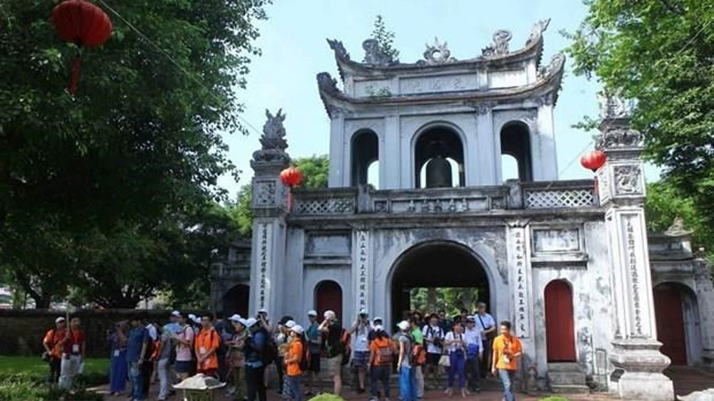 Temple of Literature, host of calligraphy, spring festival 2020, various calligraphy clubs,  festive atmosphere, calligraphy markets