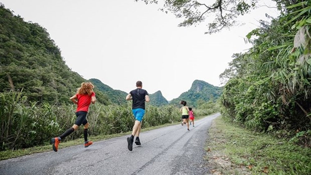 Quang Binh Marathon, Vietnam's world heritage, Discovery Marathon, running activities, provincial tourism potential, beautiful routes