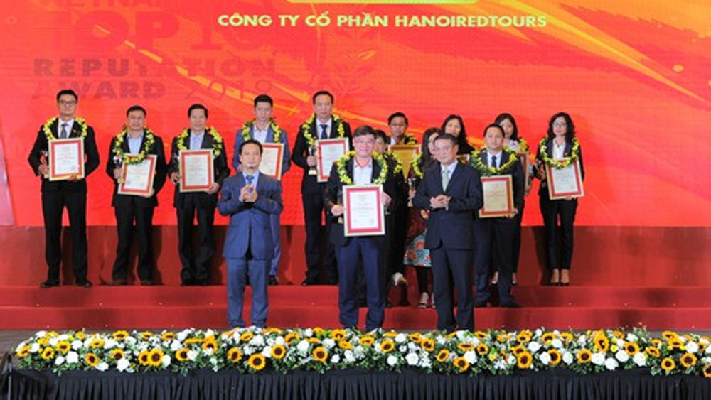 Hanoi Redtours, top 10, prestigious travel agencies, Vietnam, VNR500 Ranking, largest enterprises, leading travel agencies