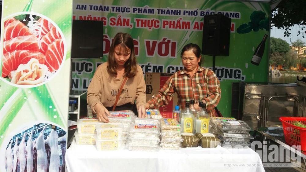 TP Bắc Giang: 7 đơn vị giới thiệu nông sản, thực phẩm an toàn