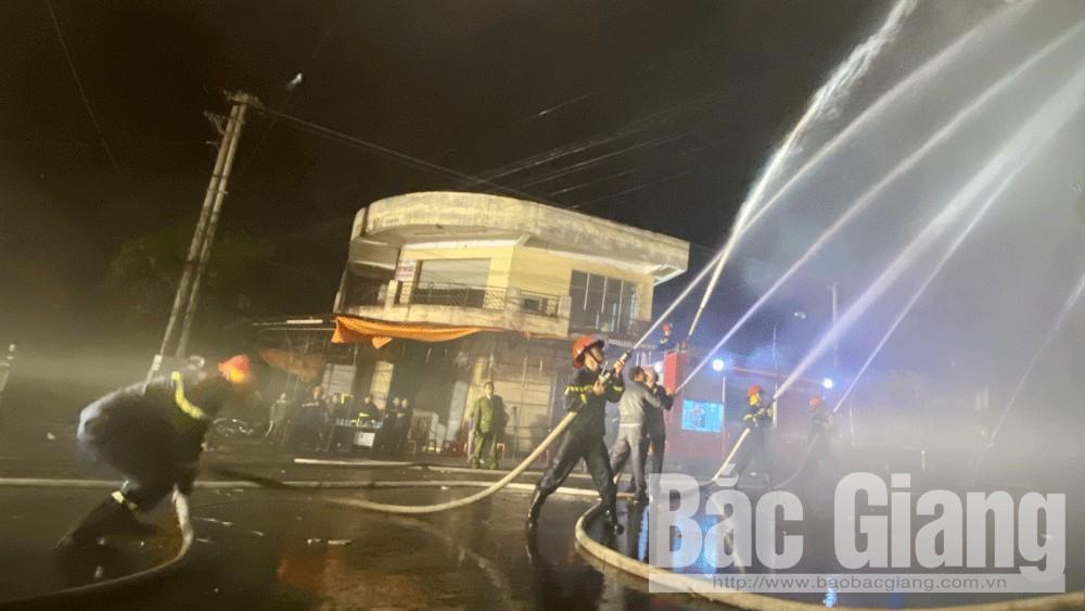 Thực tập phương án chữa cháy tại chợ Thương (TP Bắc Giang)