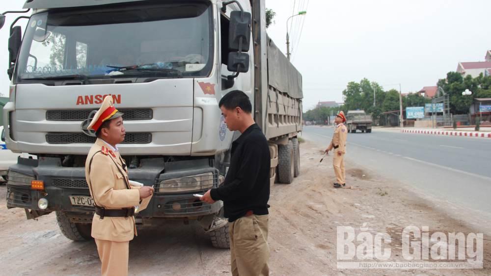 Hoạt động vận tải: Nhiều xe vi phạm tải trọng