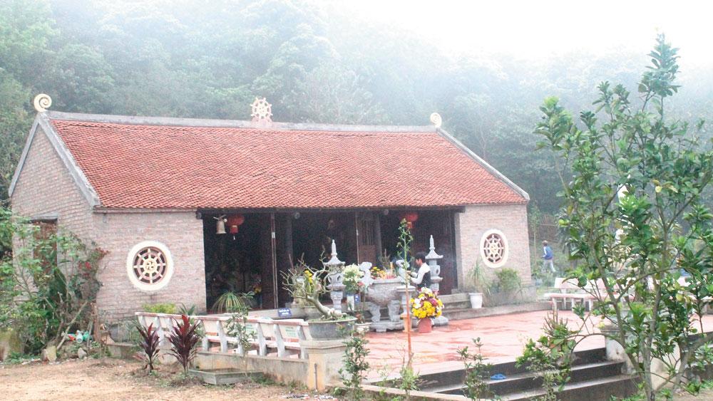 Old pagoda, Tay Yen Tu mountainside, Bac Giang province, Am Vai pagoda,  tower pagoda systems, Truc Lam Yen Tu Zen Sect