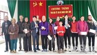 Tặng quà Tết cho hộ nghèo tại xã Xuân Hương (Lạng Giang)
