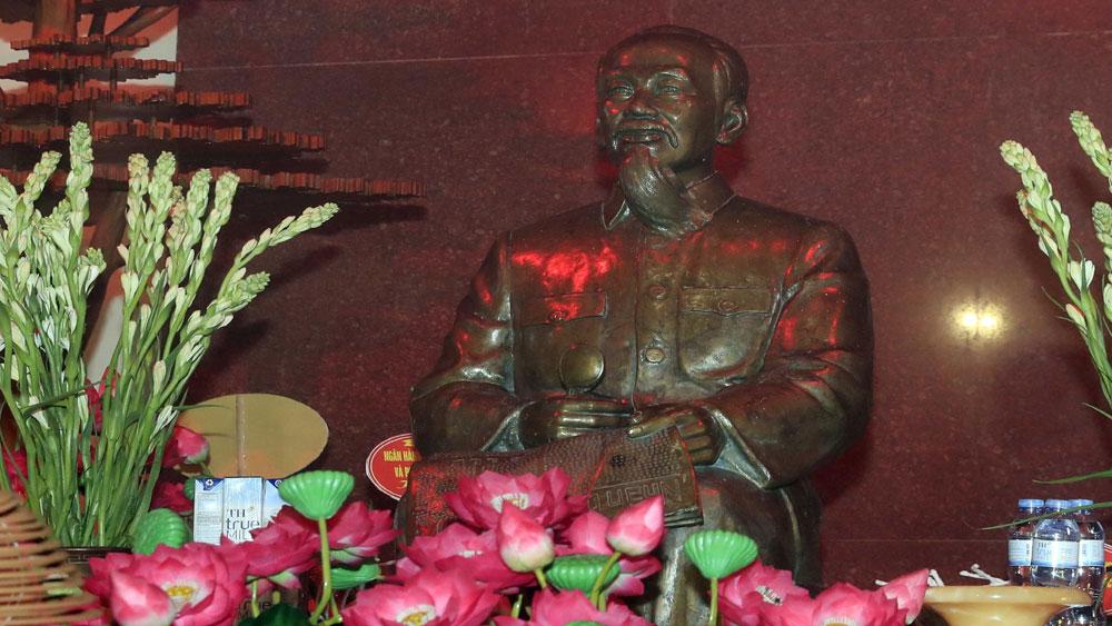 Thủ tướng Nguyễn Xuân Phúc, lãnh đạo Đảng, Nhà nước, dâng hương tưởng niệm , Chủ tịch Hồ Chí Minh