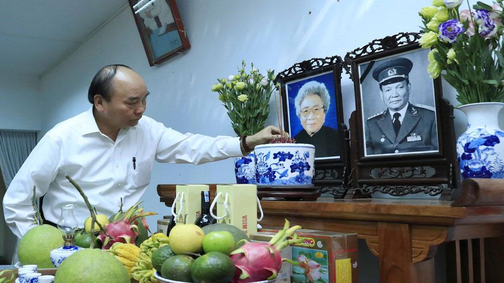 Thủ tướng Nguyễn Xuân Phúc, dâng hương, tưởng nhớ, nguyên lãnh đạo Đảng, Nhà nước