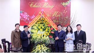 Chủ tịch UBND tỉnh Dương Văn Thái chúc Tết Báo Bắc Giang