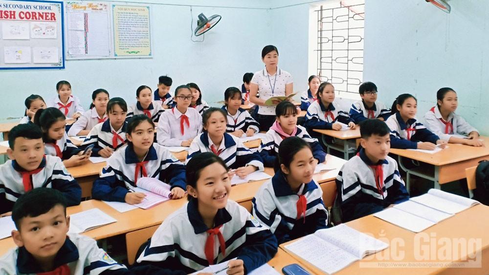 Xây điển hình,  nhân rộng phong trào, Chủ tịch UBND tỉnh Bắc Giang, tặng Bằng khen, Nguyễn Thị Thanh Thiết