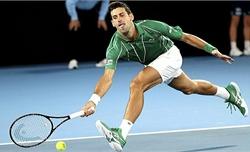 Djokovic thắng trận thứ 900