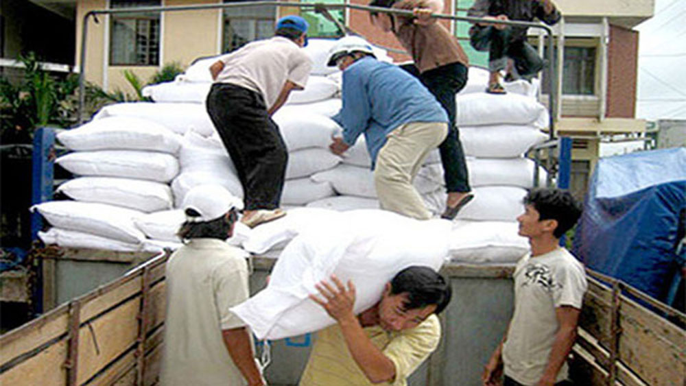 Six localities get rice aid