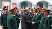 Thủ tướng Nguyễn Xuân Phúc thăm, kiểm tra công tác trực, sẵn sàng chiến đấu của Tổng cục II