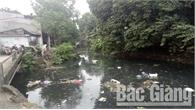 Ô nhiễm từ mương thoát nước ở tổ dân phố Tiền Giang, phường Lê Lợi (TP Bắc Giang)