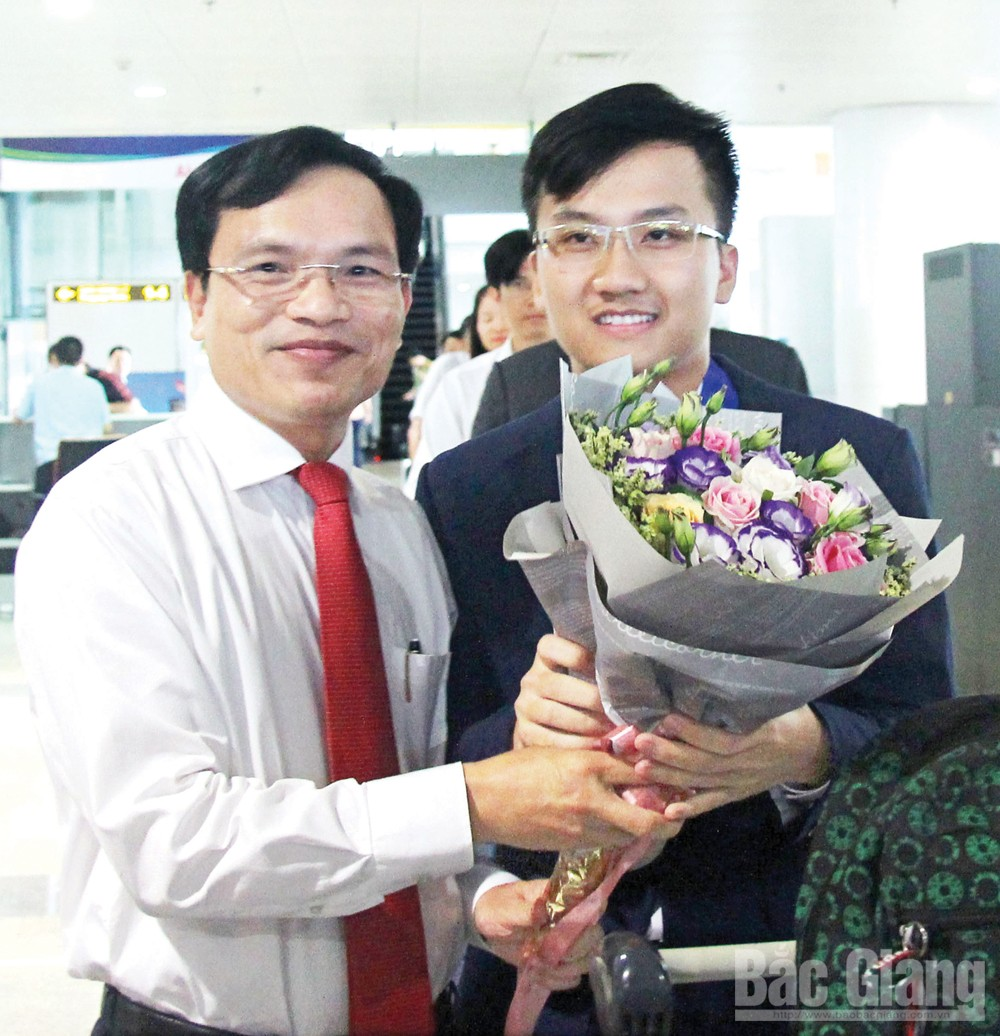 Chặng đường mới, Trịnh Duy Hiếu, học sinh Trường THPT Chuyên Bắc Giang, Trường Đại học Bách khoa Hà Nội, Á quân Olympic Vật lý quốc tế