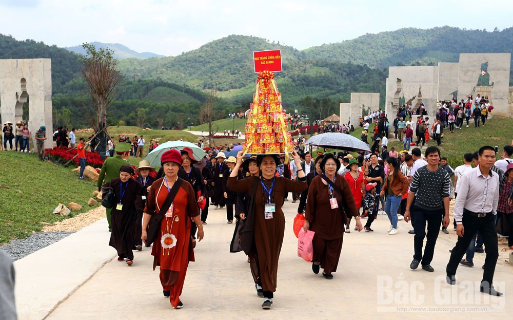 Bac Giang province, pilgrimage, sacred land, real and virtual, Tay Yen Tu, Yen Tu Mountain Range,  majestic mountains, Truc Lam Yen Tu Zen Buddhist sect, civilised society