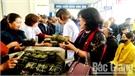 """Hơn 1 nghìn """"Bánh chưng yêu thương"""" trao tặng bệnh nhân nghèo"""