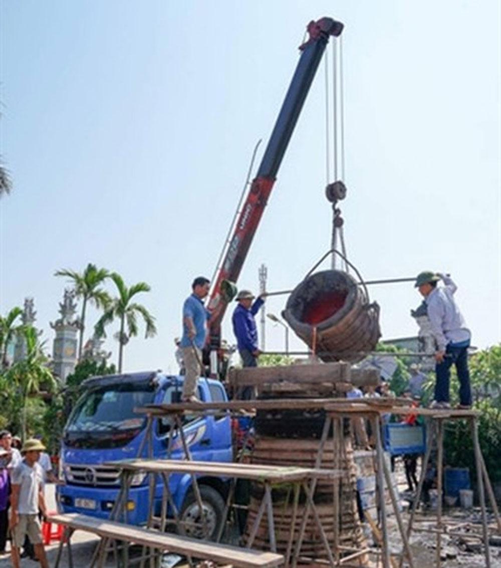Bronze casting village, right note, Kien Lao, ancient Catholic village,  Nam Dinh province, construction projects, meticulous process