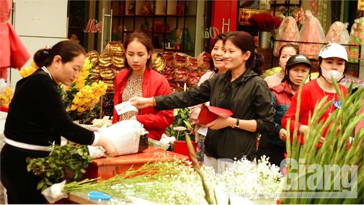 Bắc Giang: Dịch vụ 'ăn theo' Tết hút khách