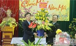 Phó Chủ tịch Thường trực UBND tỉnh Lại Thanh Sơn chúc Tết đội ngũ thầy thuốc tại các bệnh viện