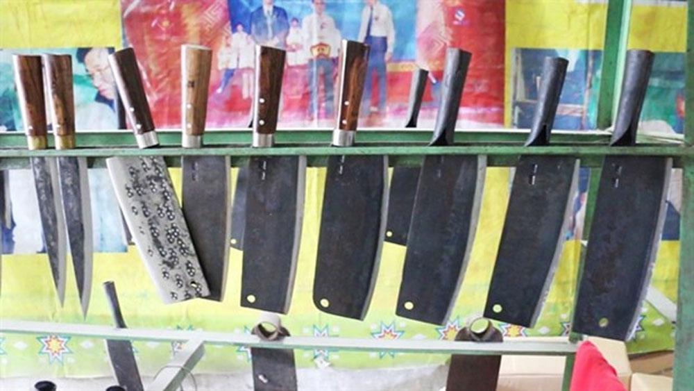 Knife village, traditional craft, Phuc Sen village, blacksmiths,  Nung ethnic minority
