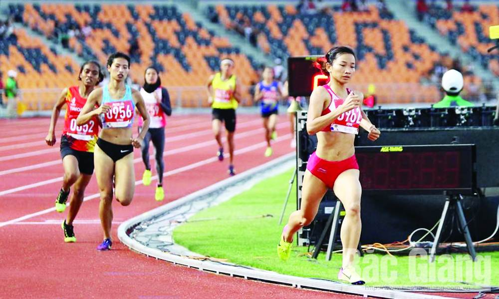 Nguyen Thi Oanh, track and field, outrun, Bac Giang province,  Southeast Asian Games, record break,  marvellous energy, Example of fortitude
