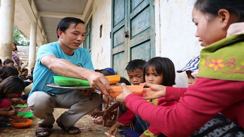 Teacher, young days, supporting poor people, Quang Tri province, Ly Chi Thanh, volunteer work, meaningful work