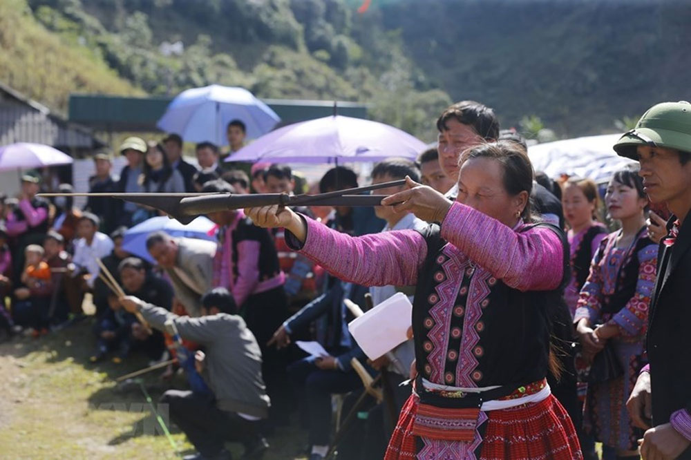 Gau Tao festival, special feature, Mong ethnic people, most important festival, gratitude towards gods, prosperous and lucky year