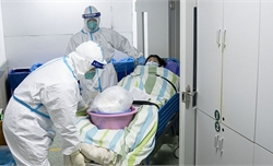 Dịch bệnh viêm phổi do virus corona: 80 người tử vong tại Trung Quốc
