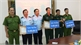 Tây Ninh: Khen thưởng 3 tập thể bắt giữ vụ vận chuyển trái phép 13 kg ma túy đá