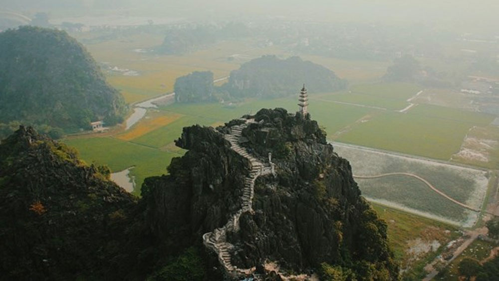 Two Vietnamese landscapes, Korean television, Mua cave, Thien ha cave, Ninh Binh province, famous and beautiful landscapes