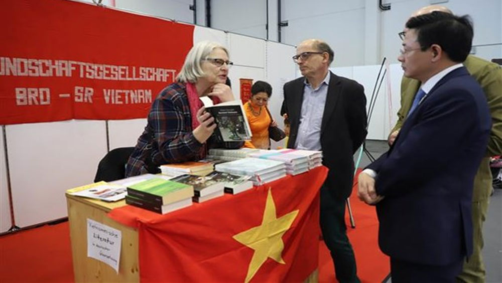Vietnamese culture, Germany's fair, Vietnam in Germany, spring fair,  diplomatic ties, traditional cuisine