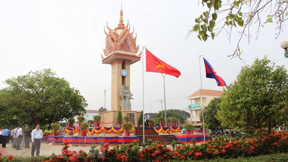 Vietnam-Cambodia Friendship Monument, inauguration ceremony, wholehearted support,  Vietnamese volunteer soldiers