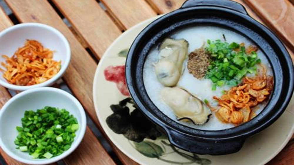 Chao hau, unforgettable dish, Quang Binh province, virgin beaches, natural landscapes, delicious taste, good for health