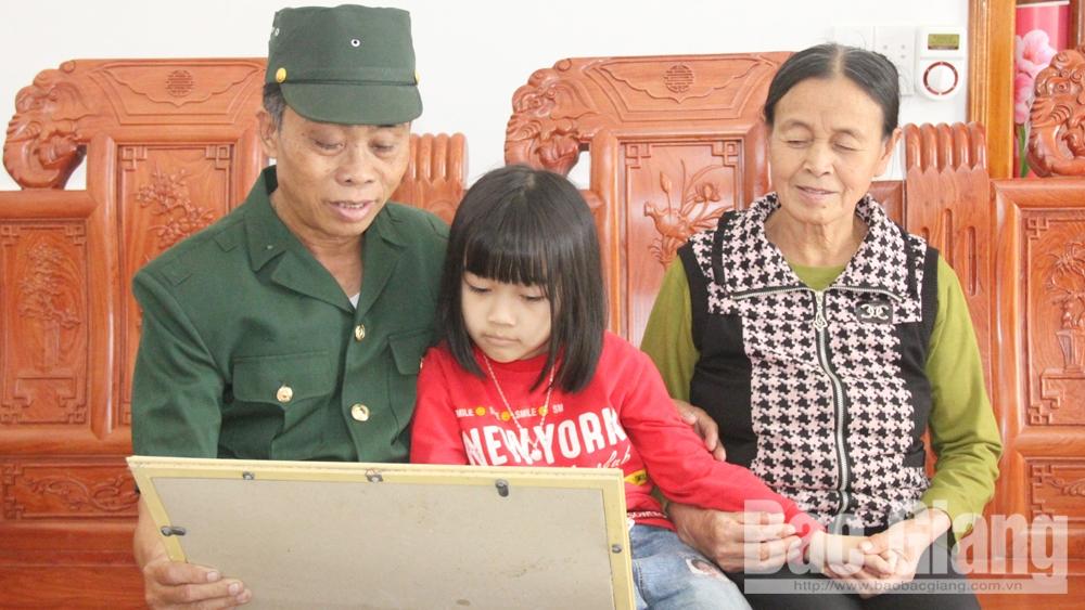 Những cựu binh Bắc Giang kết nạp Đảng trên trận địa