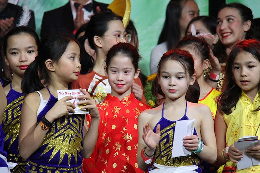 Vietnamese community, France, Tet celebration, Lunar New Year, oversea Vietnamese, traditional values
