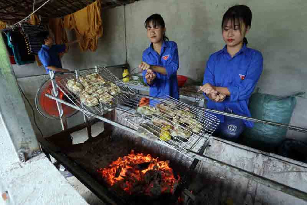 Tay youths, start business, community-based tourism model, young people,  tourism model, Homestay Tai Ngao