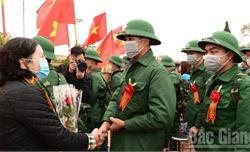 Lục Ngạn tổ chức Lễ giao nhận quân năm 2020