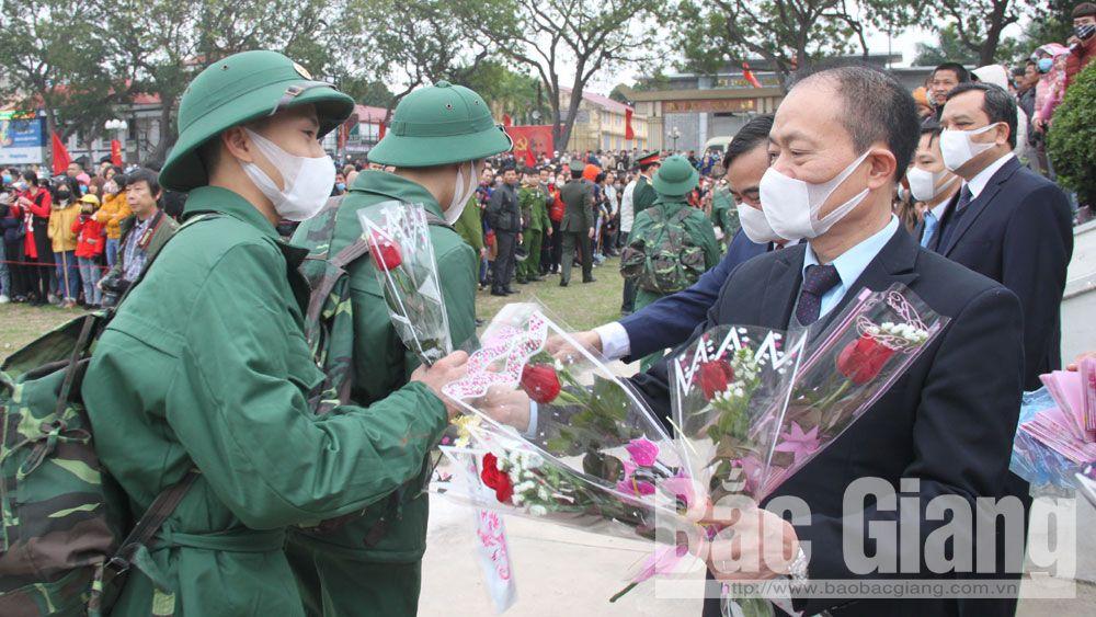 Sôi nổi Ngày hội tòng quân ở huyện Lục Nam