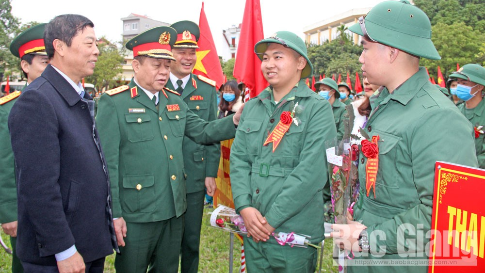 Bac Giang youths, Bac Giang province, join army, newly recruited soldiers, new military uniforms, troop handover festival, Fatherland