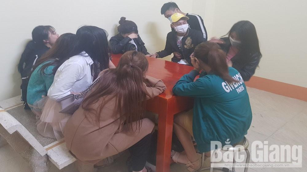 Bắc Giang: 30 đối tượng dương tính với ma túy  trong quán karaoke