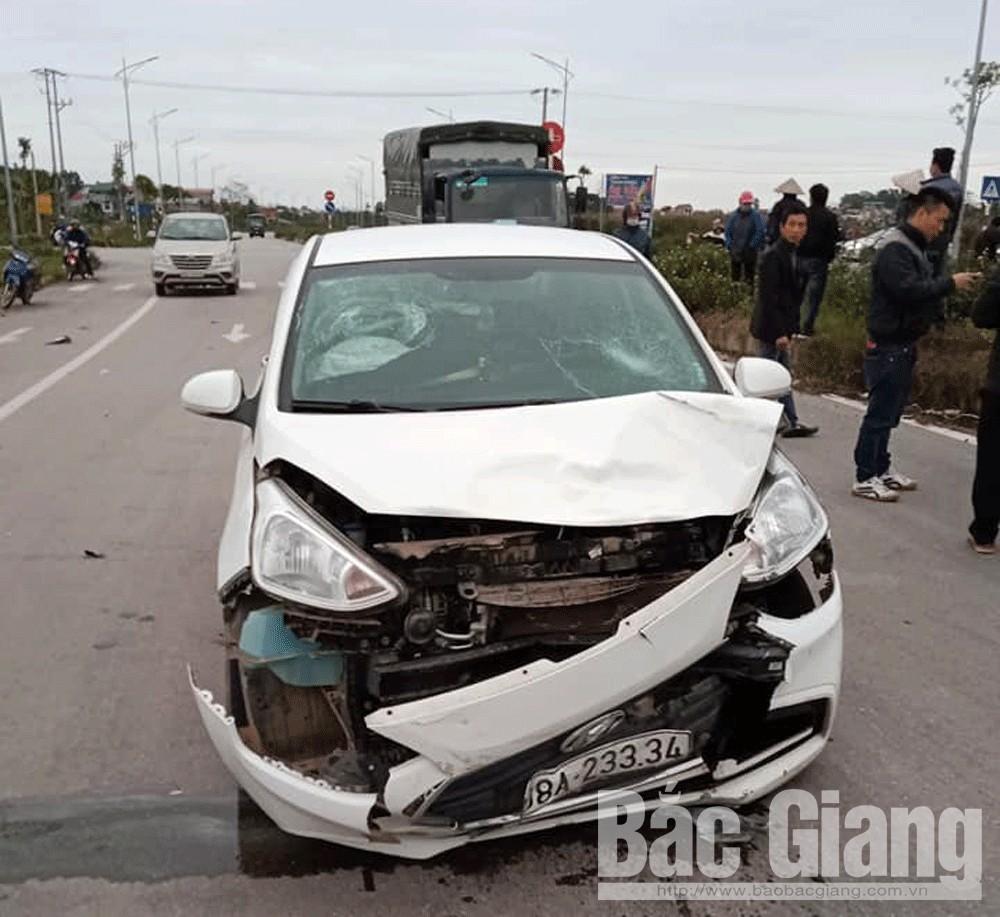 Hiện trường vụ TNGT khiến hai người bị thương xảy ra chiều 9-2 ở xã Dĩnh Trì (TP Bắc Giang).