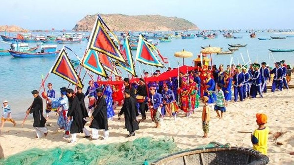 Unique ceremonies to worship God of the Forest and God of the Sea