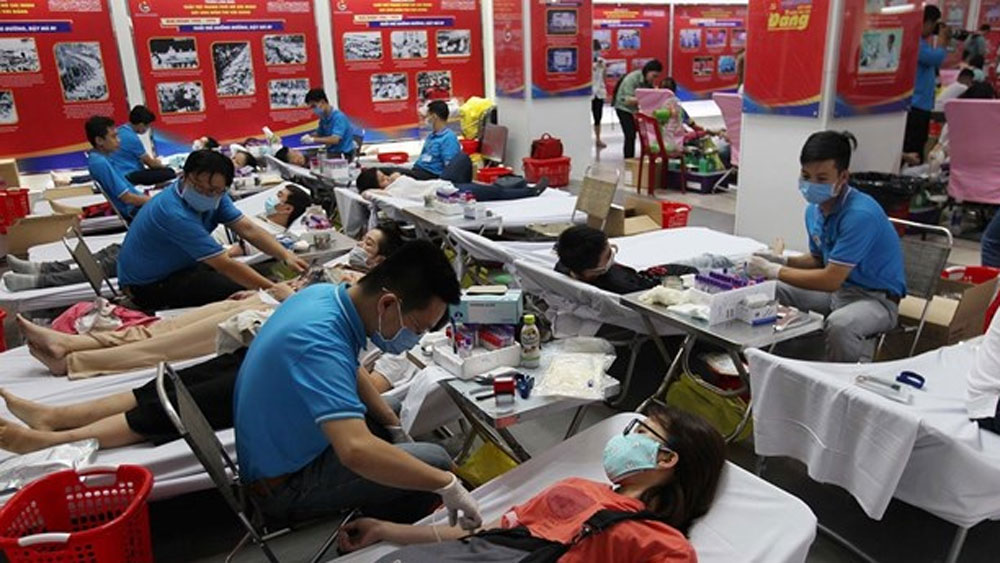 HCM City's youths, donate blood, coronavirus disease, blood donation day,  blood shortage, acute respiratory disease