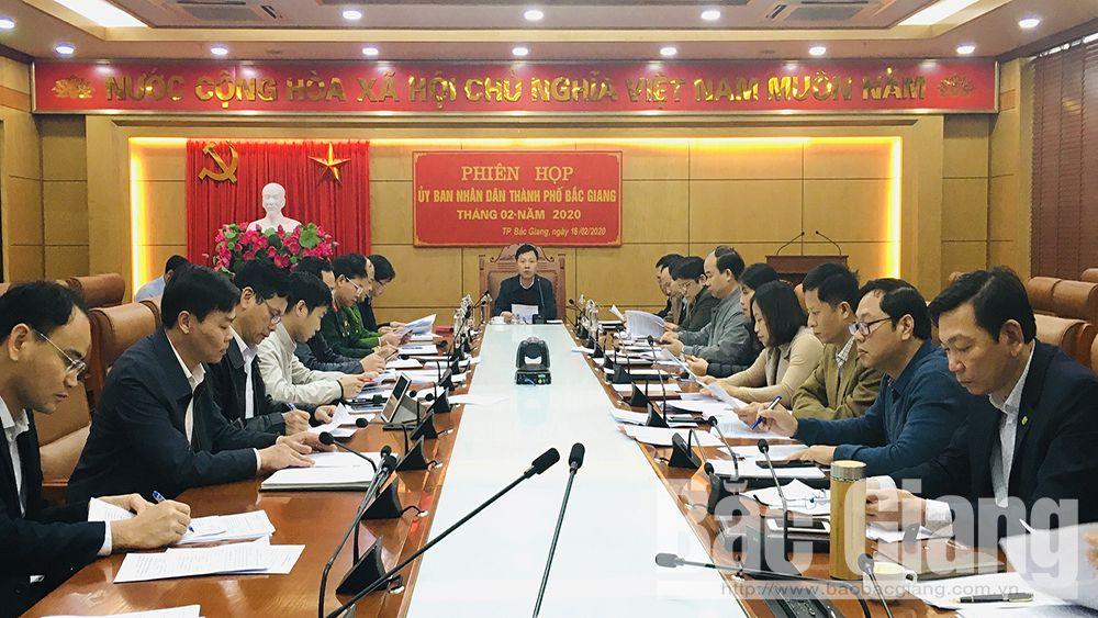 UBND TP Bắc Giang họp thường kỳ tháng 2