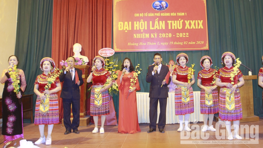 Tổ dân phố Hoàng Hoa Thám 1 tích cực xây dựng đời sống văn hóa