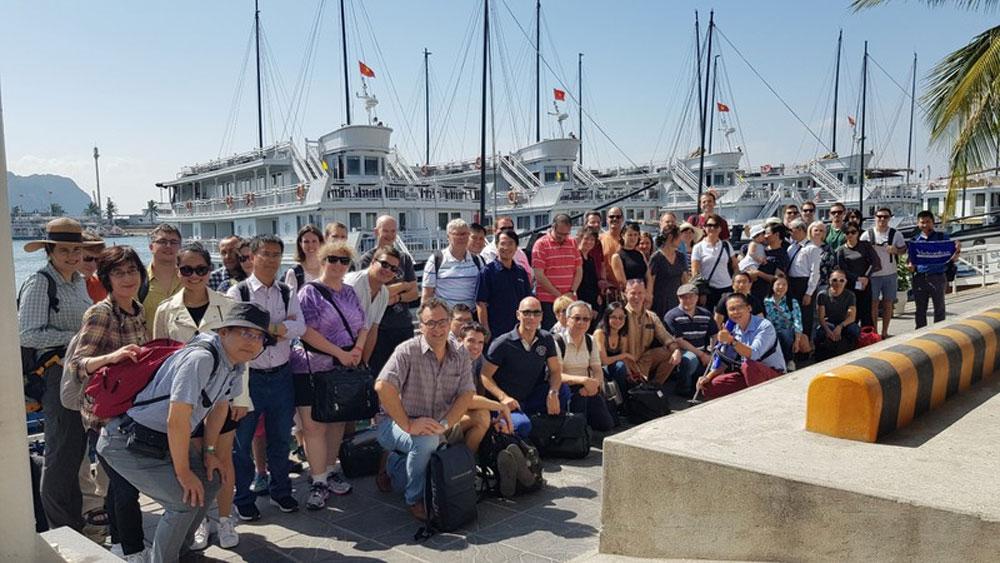 Giữa dịch Covid-19, doanh nghiệp du lịch xoay chuyển để thu hút khách
