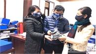 Một cán bộ Công ty Điện lực Bắc Giang may hơn 1.000 khẩu trang phát miễn phí