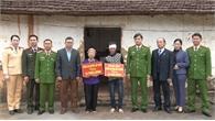 Công an Lục Nam trao 30 triệu đồng hỗ trợ em Tạ Văn Nghiên