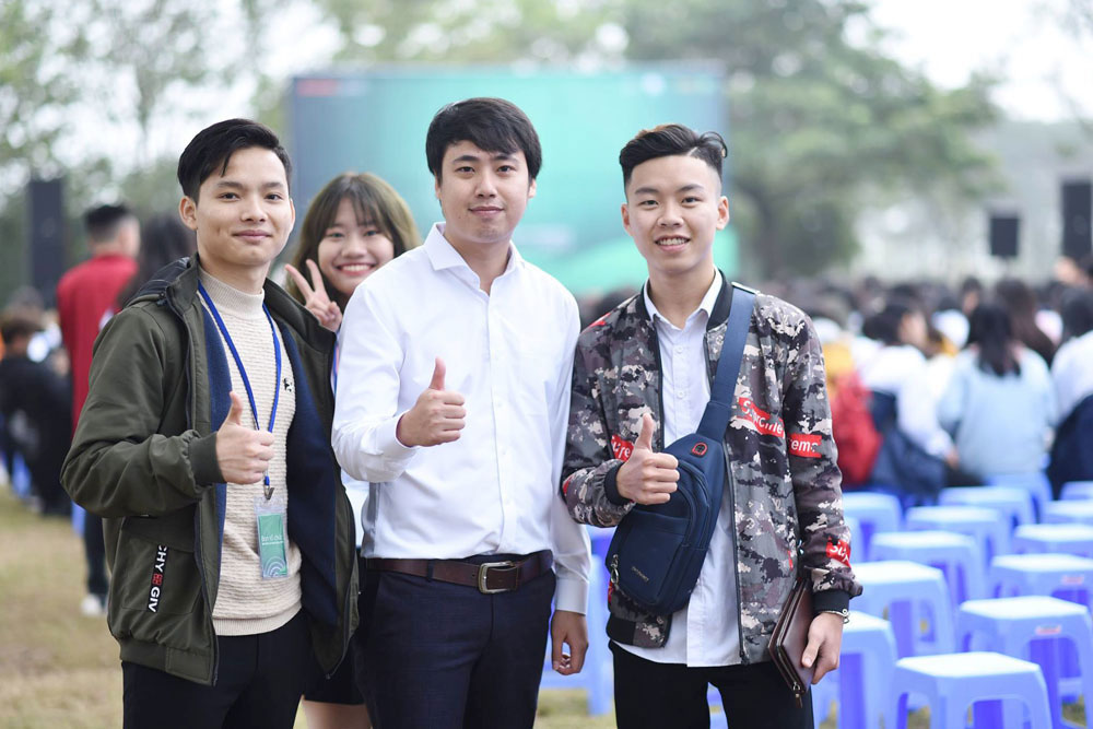 Dream to shake Headmaster's hand helps Bac Giang youth become leader