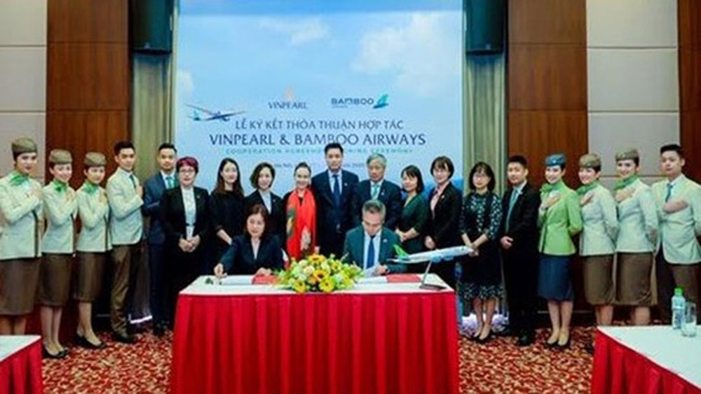 Bamboo Airways, Vinpearl cooperate to provide air-tourism products